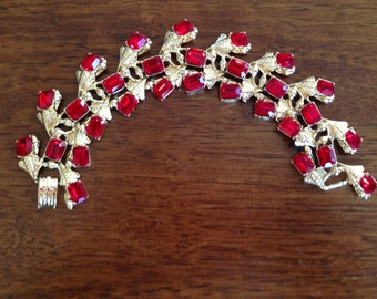 Vintage Red Rhinestone and Gold Linked Bracelet 0383