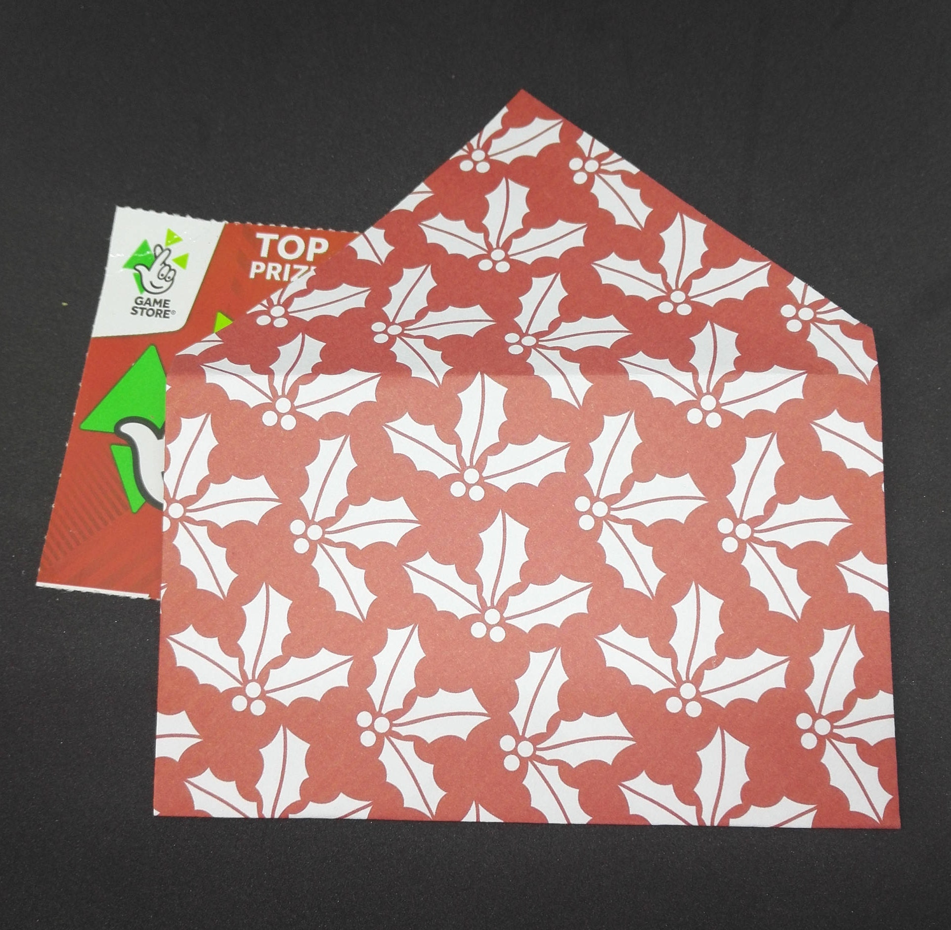 20 Origami Envelopes in Christmas Red with Holly
