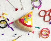 Sewing kit, pizza, badge, sewing, felt craft kit, DIY felt craft kit, felt sewing kit, craft kit, kits, felt craft, keyring