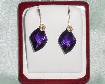 31 cts Fancy CKB purple Amethyst gemstones, 14kt yellow gold Pierced Earrings