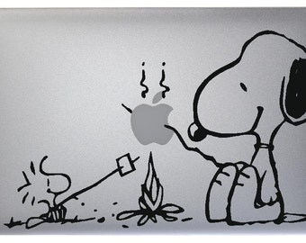 Snoopy Vinyl Sticker Skin Decal for Apple MacBook Mac Air / Pro
