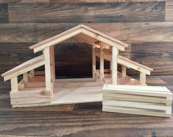 Wooden Toy Barn with Foldable Farm Fence