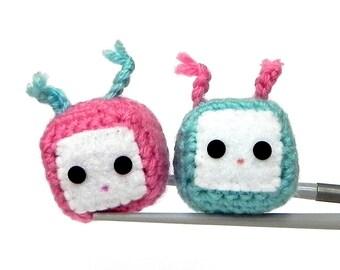 Amigurumi magnet - Hot pink and aqua blue cubie MochiQties - Crochet Amigurumi Mochi size mini cube doll