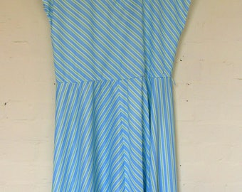 striped summer day dress - size 16/18