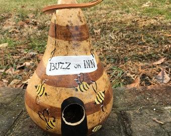 Gourd Birdhouse Buzz on Inn