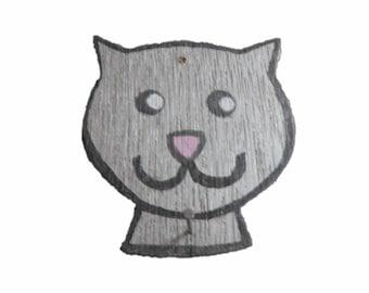 Cat's head for hanging calendar