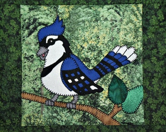 Blue Jay PDF applique quilt block pattern; North American forest or woodland animal quilt; kid's or baby boy bird quilt block pattern