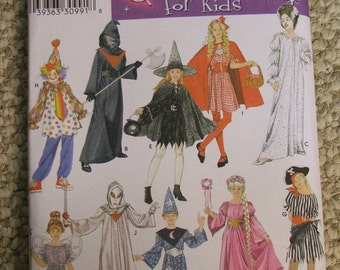 Simplicity 3617 costumes for kids Size S-M-L