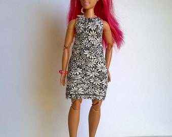 Pretty curvy fashion doll dress in black/white floral pattern
