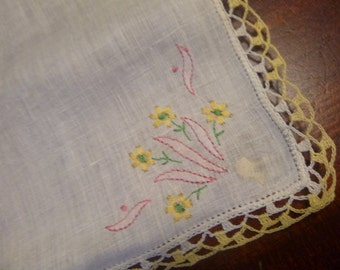 1960s Boxed Set of Ladies Handkerchiefs. 3 Embroidered Hankies. Floral  Embroidery. Cotton Hankies