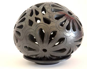Black clay (barro negro) Flower polished carved luminaria with base
