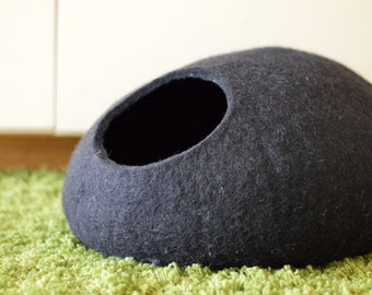 Pet bed / Cat bed / Cat cave / Puppy bed / Cat house / Pet furniture / Cat nap cocoon. Felted eco friendly cat bed XS, S, M, L or XL sizes