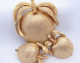 Vintage Sarah Coventry Apple Brooch Pin Earrings, Matching Set Hallmarked Sarah Cov Gifts for Mom