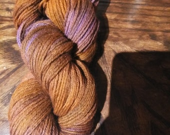 Rustic barn 100 % Peruvian wool yarn
