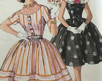 Vintage Dress With Full Gathered Skirt and Optional Detachable Collar---Simplicity 3384---Size 16  Bust 36  UNCUT FF