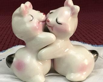 Vintage Mid Century Bunny Hug Huggers Salt & Pepper Shakers Van Tellingen
