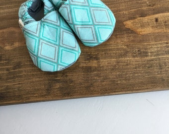 crib shoes, soft baby shoes, baby boy shoes, geometric print baby shoes, newborn, baby shower gift