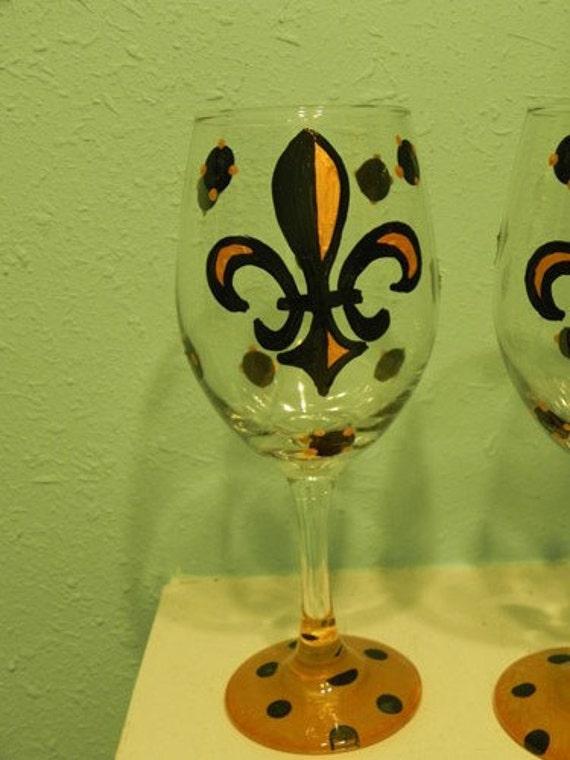 Black and Gold Fleur De Lis Wine Glass