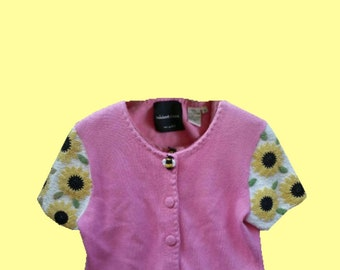 Vintage 90s Bumble Bee and Sunflowers Hand Beaded Pink Top (Size Women's Medium)
