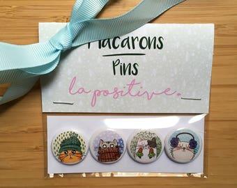"Set of 4 Winter Christmas 1"" pins/Ensemble de 4 macarons Hiver Noël"