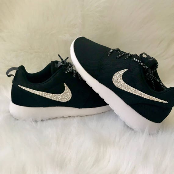 nike roshe nm woven black & white bedding