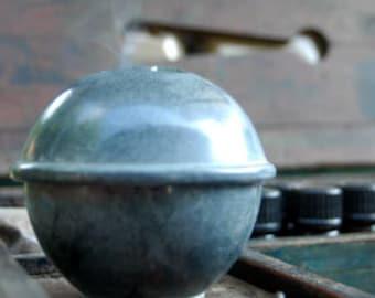 Grey KUMO incense holder
