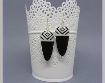 Pair of stud earrings black and white with screen printed and 925 Silver hooks