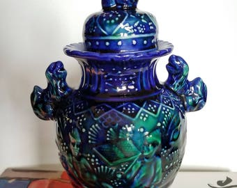 Asian lidded jar // foo dogs // fu dogs // blue and green glaze // footed jar // vintage // chinoiserie // shelf decor // ginger jar