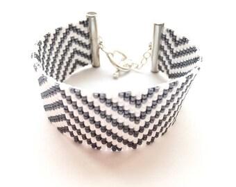 Lovely white and grey bracelet grey woven miyuki beads
