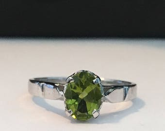 Peridot set in Sterling Silver Ring (Size 8)