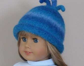 American Girl doll blue felted wool hat with rolled brim for 18 inch doll: variegated blue wool yarn.