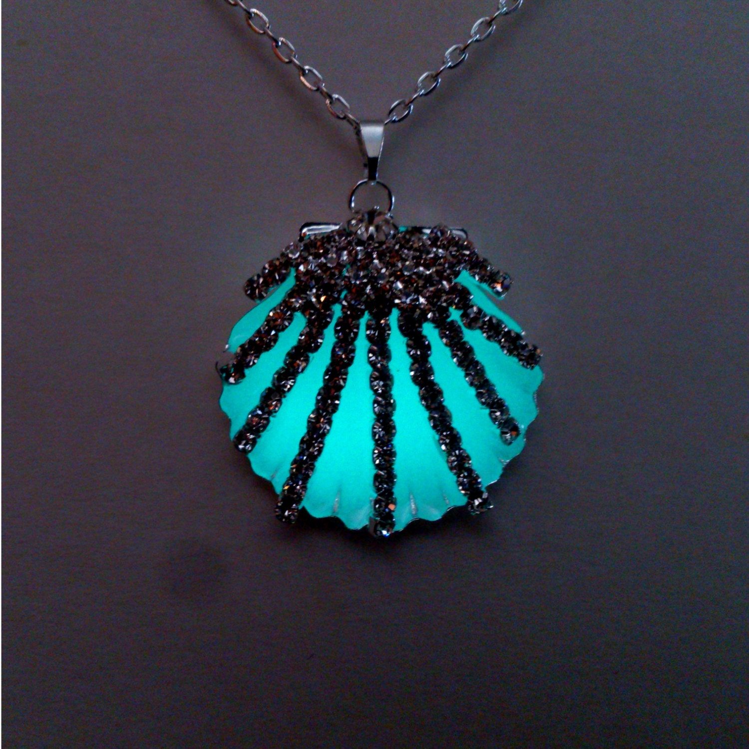 dark gift glowing necklace leaf glow in pin blue the teen jewelry