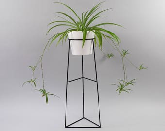 The Skaha - Wire Steel Metal Planter - Plant Stand - Ceramic Pot