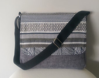 Messenger: Dark Grey Multi Messenger