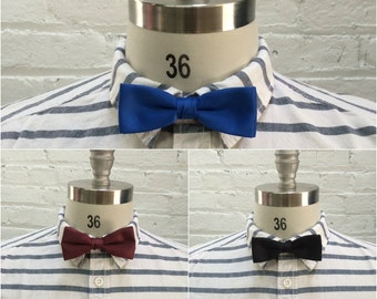 vintage lot of wholesale bow ties / bulk bowties / 10 pieces solid bow tie in blue, maroon and black