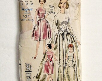 Vintage 60's Vogue Bride or Bridesmaid Dress Sewing Pattern #4285 - Size 16 (Bust 36) - Needs some TLC