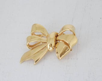 Vintage Designer CINER Gold Bow Brooch Pin Costume Jewelry