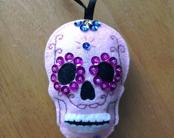 Felt Sugar skull door hanger in pink