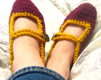 Crochet Harry Potter House Slippers -- Mary-Jane style with Crest Button
