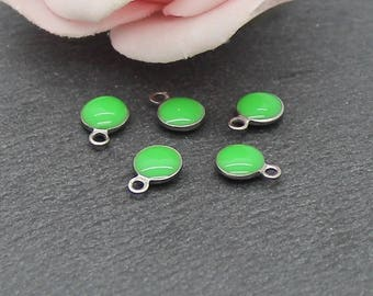 x 10 6 mm SG57 green enameled stainless steel round charm