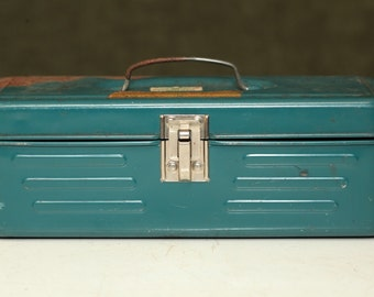 Vintage UNION Metal Utility TOOLBOX Mid Century TEAL Rustic Shabby Chic Tool Chest
