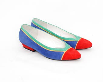 vintage retro pumps | blue suede shoes | dress kitten heel shoes | blue flat heels | bright colored slip ons | pointed toe flats | size 6.5