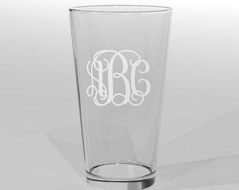 3 Personalized Groomsman Pint Beer Glasses Vine Monogram Custom Engraved.