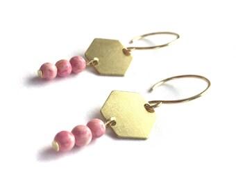 Rhodonite beads with brass hexagons