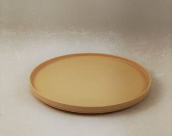 Vintage Rubbermaid Tan Lazy Susan