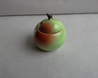 small apple shapes apple sauce pot