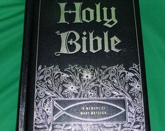 Riverside Master Family Edition Bible,  Memorial Edition with a total family record area, larger print, Amazing Find LOW & FAST Shipping