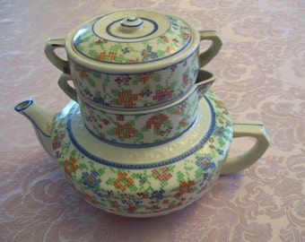 Stacking Teapot Creamer Sugar Made in Japan 4 Piece Circa 1950s Vintage Unique 3 in 1 Matching Tea Pot Sugar Bowl Creamer Stackable