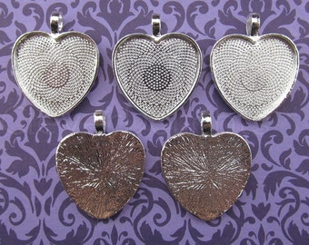 """20 - 1 Inch Heart Pendant Trays - Shiny Silver Color - Vintage Antique Style Pendant Blanks Bezel Setting Cameo Resin 25 mm 1"""""""