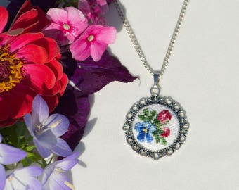 Hand Embroidered Floral Pendant, Floral Mix Necklace
